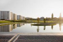 5) Öffentlicher Park mit Weiher, 2011