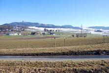 """1) Blick vom """"Bindehus"""" Richtung Süden: Industriezone Moos,25 Hektaren (d.h. 35 Fussballfelder)"""